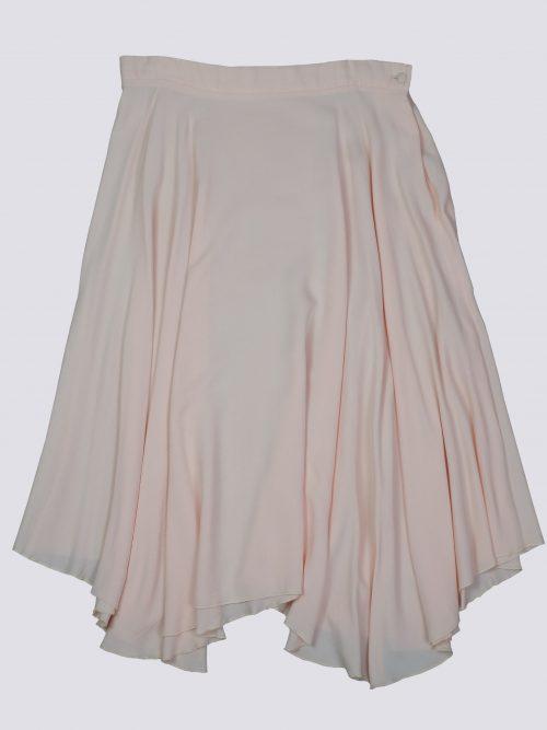 falda con vuelo asimétrica rosa moda sostenible